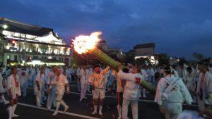 IMG_2461松明火の粉